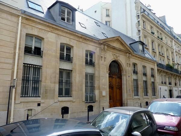 38 - Hôtel de Beaune (rue du Regard)