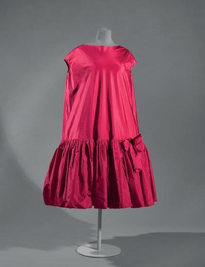Balenciaga, « Baby doll », robe de cocktail, printemps-été 1958