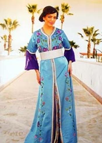 Takchita originale haute couture broderie fleurs avec kaftan simple cintré TAK-S828