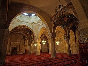 middle-east-07.1196418660.interior-of-divrigi-mosque-comple