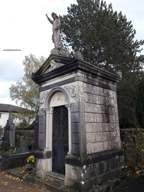 Petit tour aux cimetières...