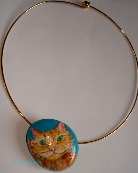 Collier-galet-peint-chat.JPG