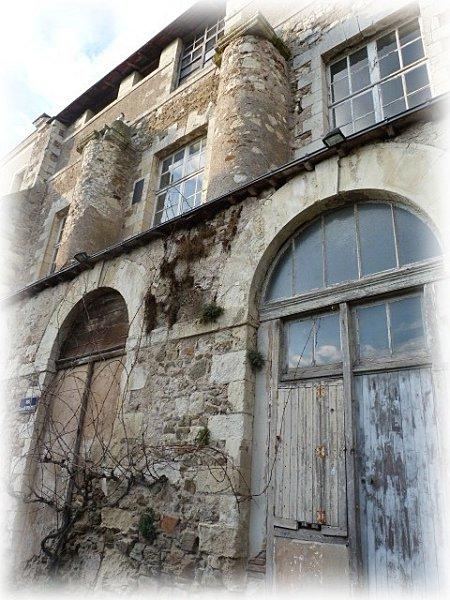 partie-ancienne-de-l-abbaye.jpg