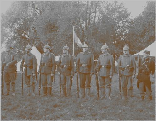 RECONSTITUTION HISTORIQUE a Armentières base des près du hem(11 octobre2014)