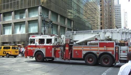 NEW YORK 2016- SUITE 4- Divers véhicules dans les rues