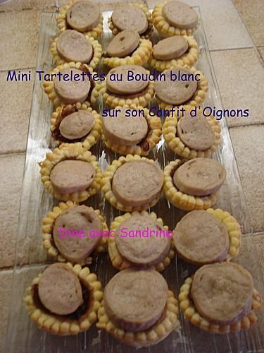 Mini tartelettes au Boudin blanc sur son Confit d'oignons 7