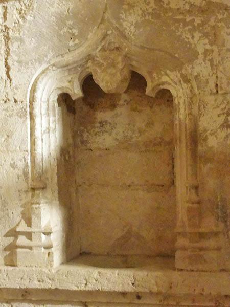 La crypte de l'abbaye de Flavigny sur Ozerain