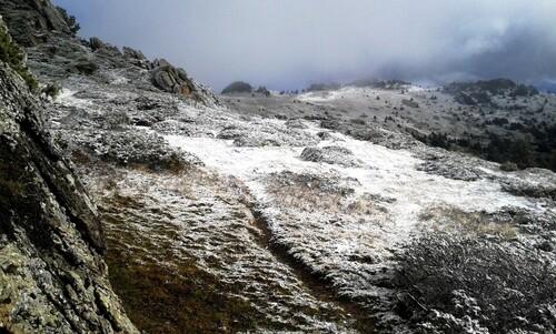 Blanche...neige prépare la terre de l'estive