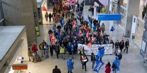 Les aéroports en grève pour défendre le droit de grève