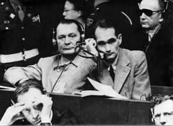 1945-46...  Le procès de Nuremberg