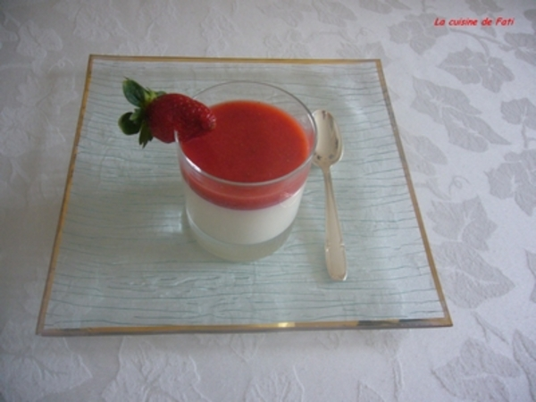 Panna cotta à la fraise light