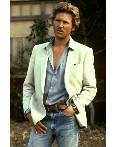 Young Jeff Bridges - in a timeless casual ensemble.  oh ya...he was hot.