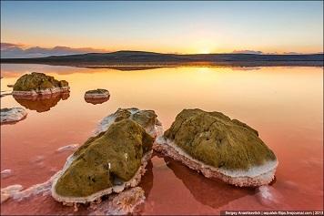En Crimée, un paysage modelé par le sel ...