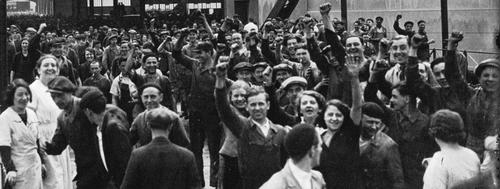 1936 Les ouvriers en grève aux Usines Renault photographie de presse  Agence Meurisse