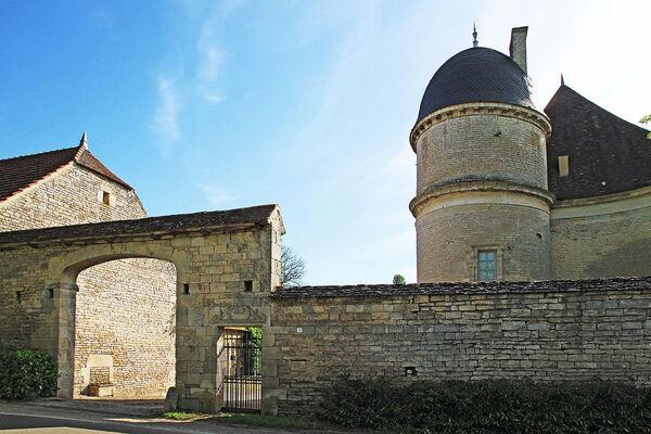 Promenade dans le village de Jours-lès-Baigneux