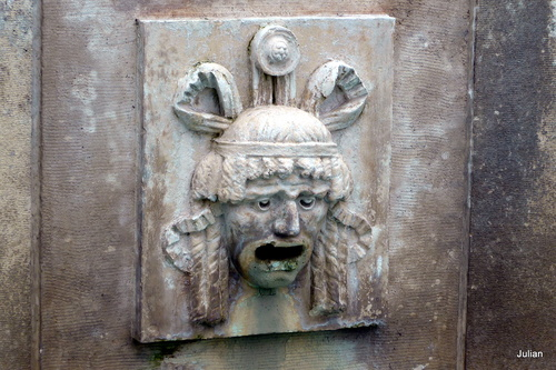 Toulouse : une jolie fontaine ...