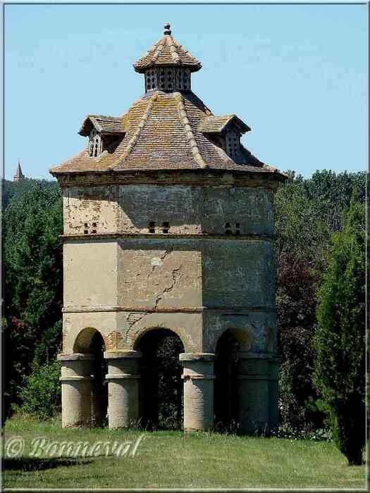 Pigeonnier du Château de Beillard Merville Haute-Garonne Midi-Pyrénées