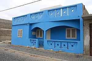 Rabil, jolie maison colorée