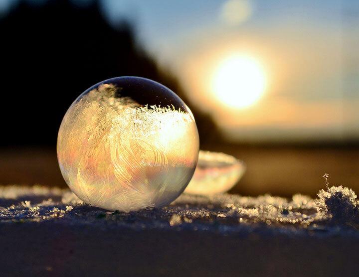 des-sumbliles-bulles-de-savon-gelees-par-le-froid13