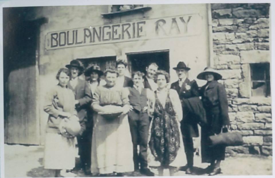 Boulangerie de Lasserra, vers 1930