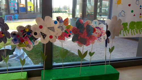 Des fleurs et des papillons pour le printemps