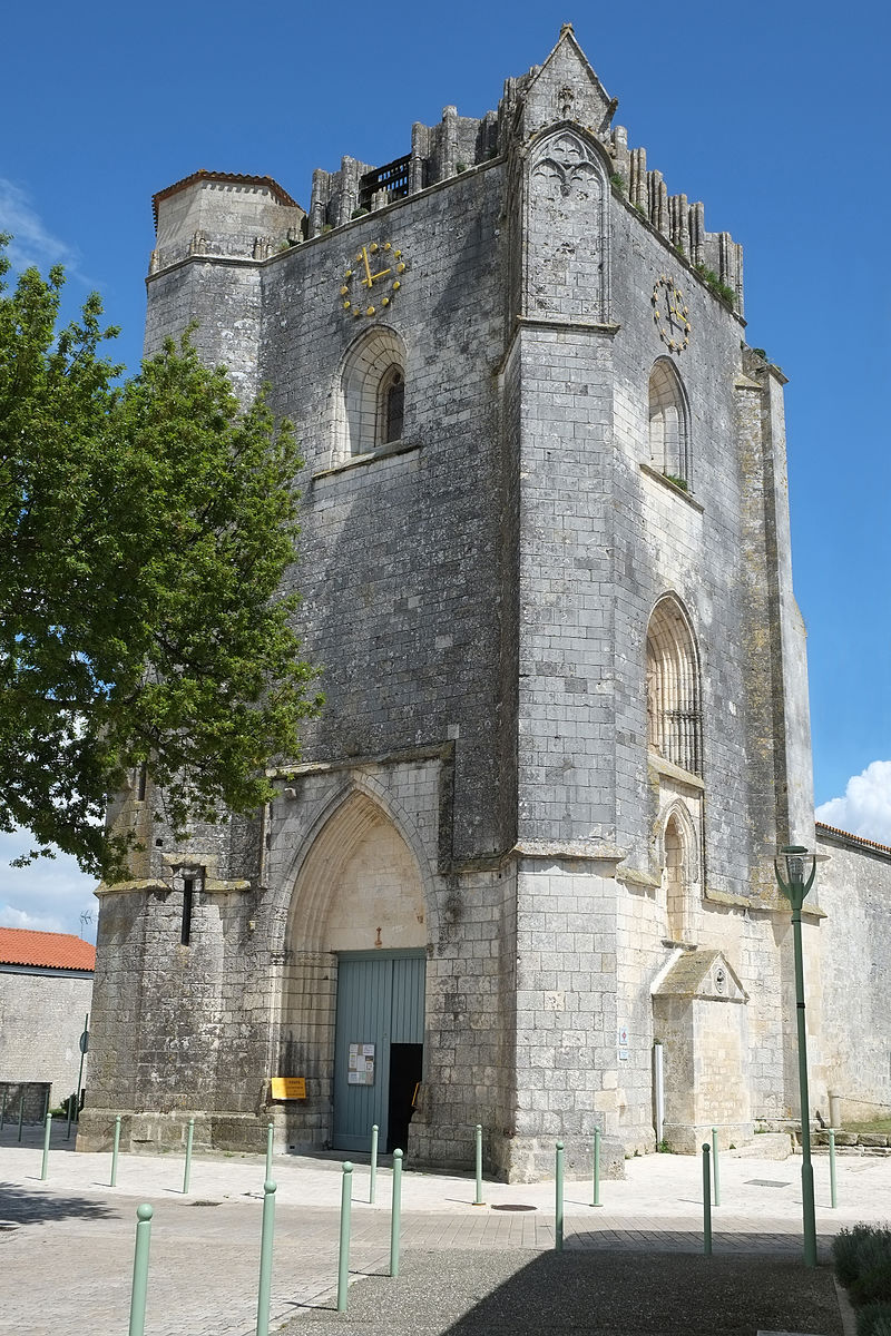185 - Eglise Saint-Pierre clocher-porche - Marsilly.jpg