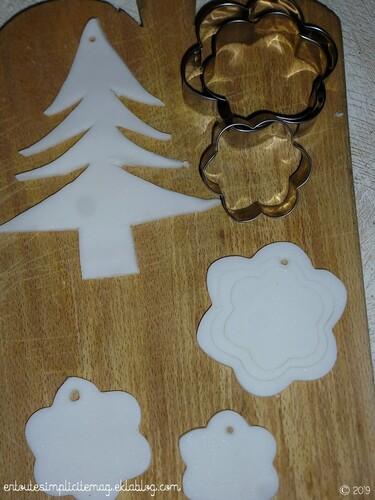 Déco de Noël : pâte porcelaine froide maison, style pâte Fimo, sans cuisson (autodurcissante) sèchage à l'air libre