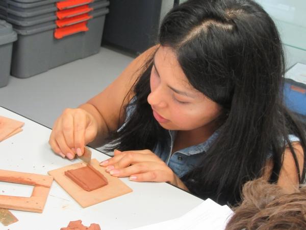 """Les animateurs des """"mercredis du Musée"""" ont appris aux enfants comment devenir des """"bâtisseurs Gallo-Romains"""""""