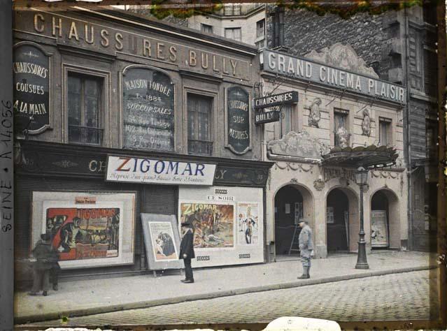 Le Grand Cinema Plaisir au 95 rue de la Roquette par Auguste Léon ©Musée Albert-Kahn - Département des Hauts-de-Seine