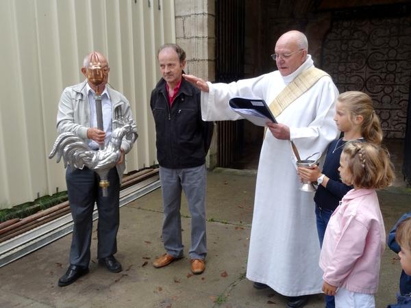 Bénédiction du nouveau coq de l'église Saint Pierre de Châtillon sur Seine