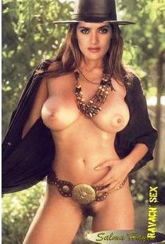 Salma Hayek nue et sexy