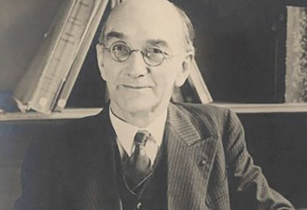 Paul Rivet, Professeur d'anthropologie au Muséum national d'histoire naturelle et à l'Institut d'Ethnographie de l'Université de Paris