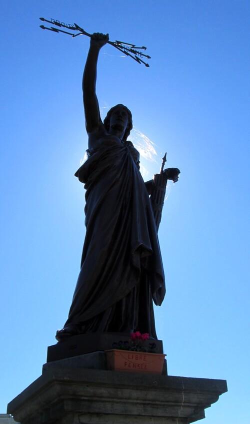 SAVINES LE LAC(05) Journée Internationale de la Libre Pensée avec Louise Michel et la République!
