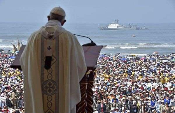 Le pape s'excuse d'avoir blessé des victimes d'abus sexuels de l'Eglise au Chili