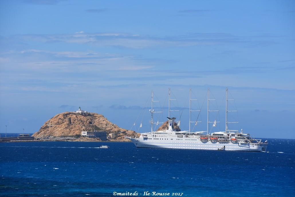 Vue sur les îles rousses - Corse