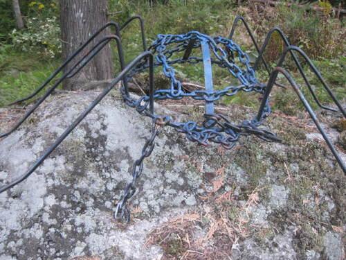 Sculpture dans la forêt