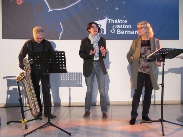 Chloée Deborde et Jean-Michel Baudoin ont proposé un spectacle  plein d'humour et de musique au bar du TGB !