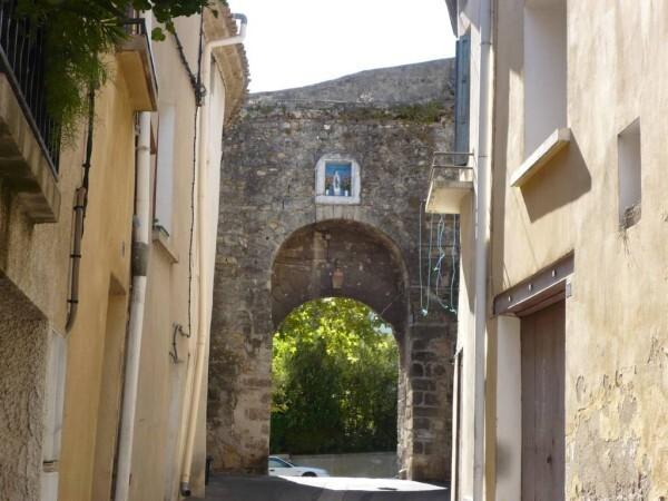 Vieux-Gignac-entree.jpg