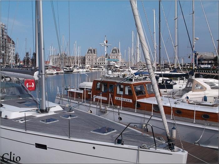 Ostende, le port de plaisance et le Mercator