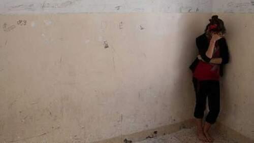 150 esclaves sexuelles yézidis se suicident et sont données aux chiens -
