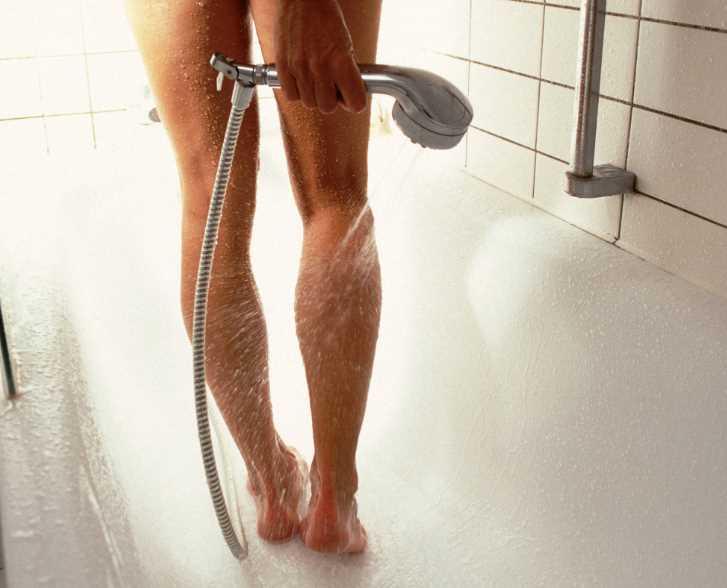 Помогает ли контрастный душ против целлюлита