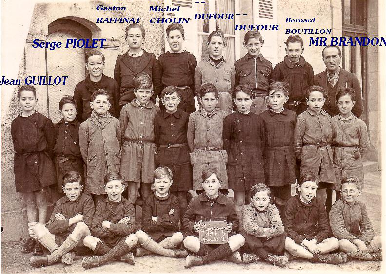1947 Préveranges, garçons