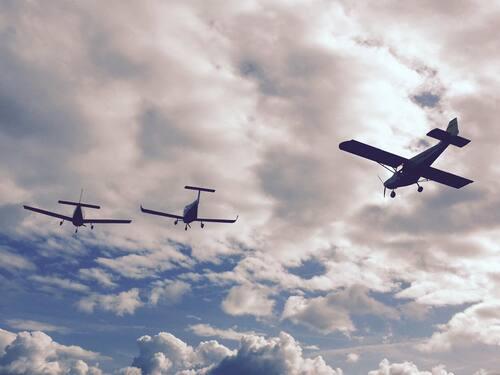 La Flotte de l'Aérienne en vol..