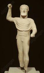 Statue en calcaire de Zeus s'apprétant à lancer la foudre. Cyprus Museum, Nicosie. Statue réalisée à Chypre vers 500 av. J.-C.