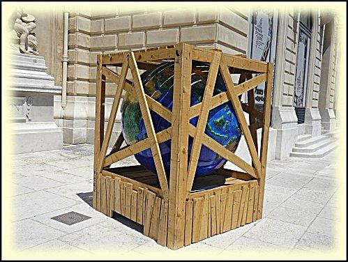 cool-globes-31-2.JPG
