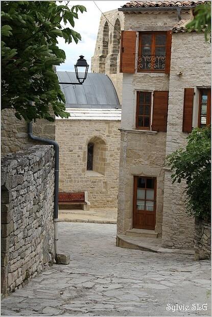 Vachères - village