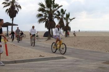 venice-boardwalk-bikers.jpgv