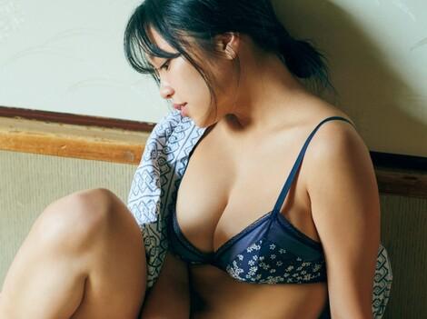 WEB Magazine : ( [FRIDAY Digital - Gravure] - |FRIDAY - 03/01/2020 - Yuno Ohara : 大原優乃 二人きり、午後のやわらかな陽だまりで……| )
