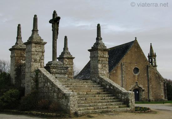 saint cado chapelle et calvaire