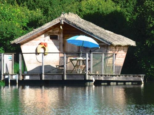 Une nuit en cabane flottante